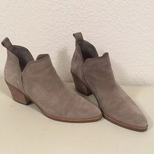 'Sonni' Dolce Vita pointed toe suede booties